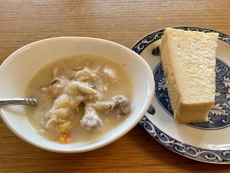シチューと高級食パン
