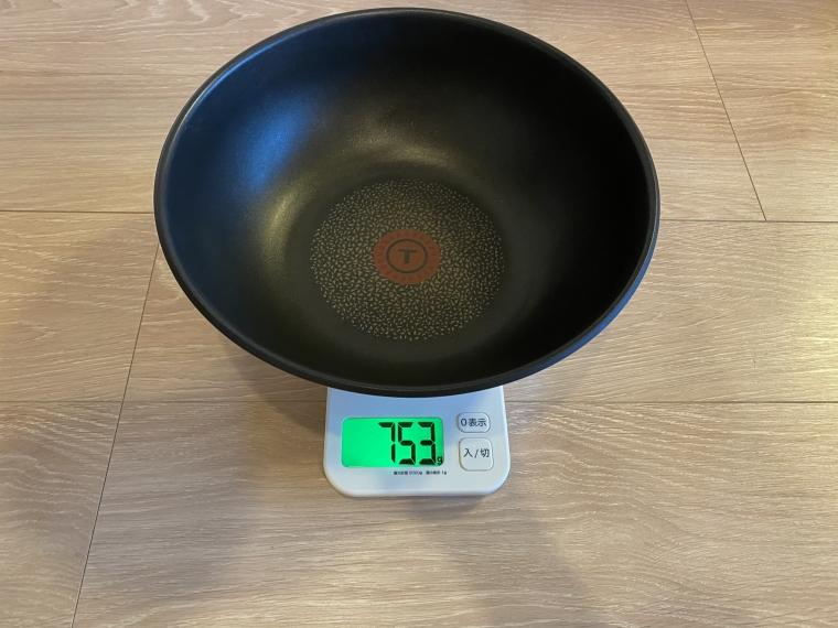 インジニオ・ネオ ステンレスのウォックパンの重さ