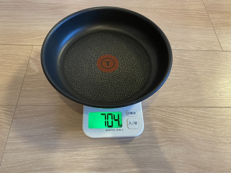 インジニオ・ネオ ステンレスのフライパン22cmの重さ