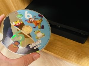 PS4でこどもちゃれんじDVDが見れない?!対処方法が見つからず格安DVDプレイヤーを購入!